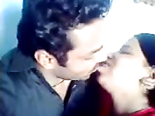 Mirpur Couple Smooch - Movies.