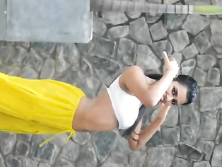 Indian Girl Seductive Dance - Movies.