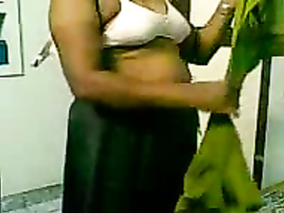Mature Bhabhi Changing Bra - Movies.