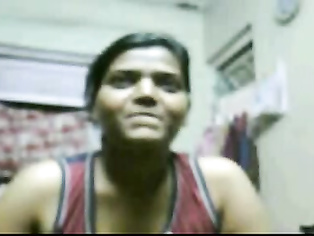 Desi girl from Mumbai chatting live with her boyfriend on webcam showing her mouth watering big breast.