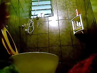 High profile mumbai model in Taj Hotel with her boyfriend taking shower recorded by hidden cam fixed by room service.