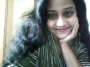 Doctor remya masturbating with her dildo on live webcam show fucking herself and moaning in pleasure.