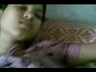 Sexy desi babe sucking her neighbourhood chachas cock giving him blowjob while auntyji away from home in this awesome MMS.