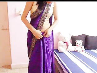 Bhabhi Lesson About Saree - Movies. video2porn2