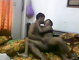 Bengali babe fucked hard on a webcam by her boyfriend following advice of live public!.