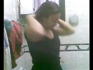 Uzma Bhabhi In Shower - Movies.