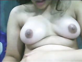 Andhra doodhwali aunty showing tits while talking on the phone and pumping partners cock then fucked doggy style in this MMS.