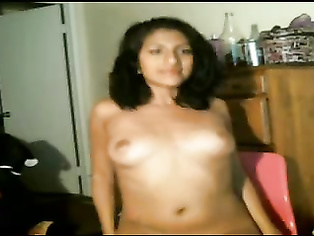 Desi babe of in live sex show recorded masticating for live public want to see her sex.