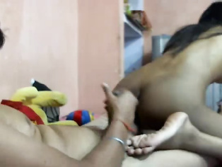 Amateur Indian couple in hotel on Mumbai Pune expressway staying for one night gets horny relaxing.