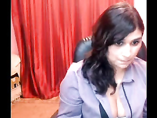 Chubby Indian girls on sex cam once again back with her stripping and pussy show!.