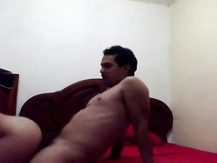 Horny guy in bed with a randi and hiking her green saree exposing her sexy legs and mounting her to fuck missionary style while his friend shoots this awesome MMS.