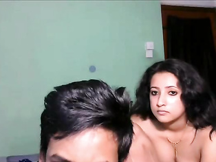 Watch this sexy hot Pakistani babe and enjoy her show with her boyfriend. video2porn2