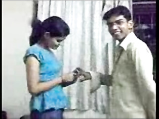 Couple Getting Engaged - Movies. video2porn2