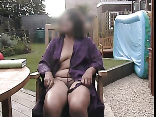UK Bhabhi Naked In Garden - Movies. video2porn2