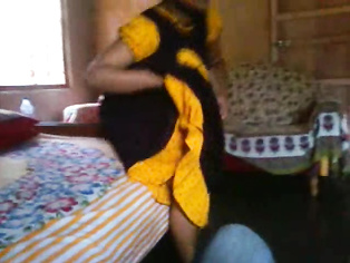Lucknow Ki Bhabhi Ghazala - Movies. video2porn2