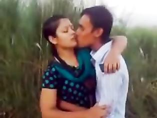 Bangla College Valentine Kiss - Movies. video2porn2