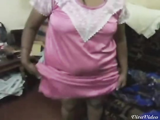 Plumpy Bhabhi In Pink Nighty - Movies.