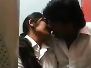 Desi Couple In Cyber Cafe - Movies.