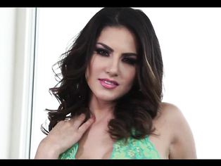Glamorous Sunny Leone Sex - Movies. video2porn2
