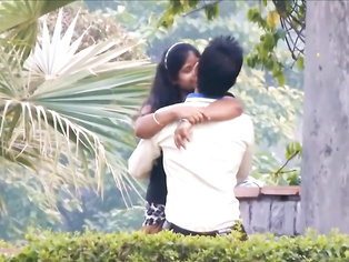 Couple Romance In Park - Movies. video2porn2