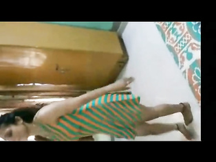 Bhabhi Dancing No Shalwar - Movies. video2porn2