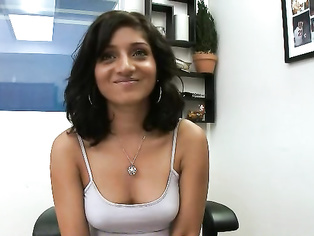 Horny Indian men filmed having sex with her sali Meghna Mathur from Delhi in absence of his wife