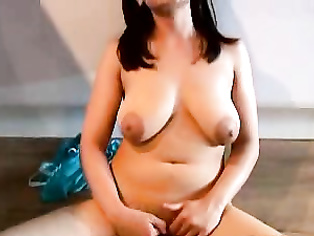 One of the sexiest Pakistani housewife Zara Sheikh from Lahore masturbating in kitchen for you.