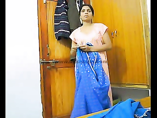 Indian Wife Aarti Changing - Movies.
