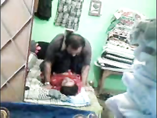 Desi bhabhi sucking his playboy before he gets in between her legs and rubs his dick against her pussy entrance in this awesome MMS