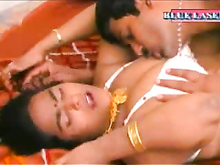 Very hot Hindu sex video, is too short, probably missed anal sex scene