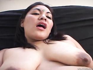 What a awesome beautyshe is adoreableloveablefuckable
