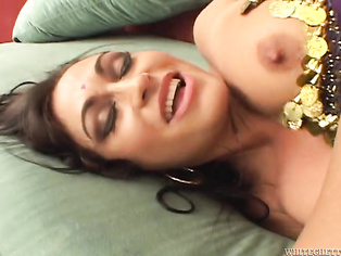 that said she is damn hot and her tits my god i want her