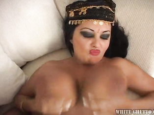 i'd love to try some east indian pussy they look so juicy