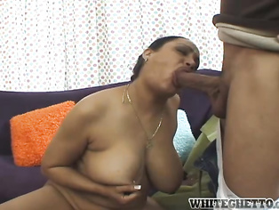 mature bonde trash bet her mouth smelt awesome after that