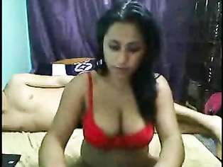 Desi girl in cam show with her boy.
