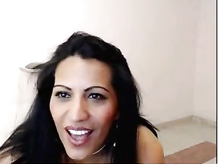 Indian housewife is masturbating like a cam girl.