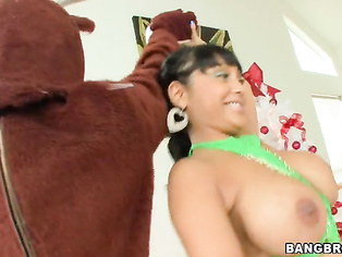 Merry X-Mas, to all our Bangbros fans! We're back with another sexy MILF for you on this week's MILF Lessons!