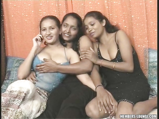 Salman Having A Hot 4 Some With Sanjana Reshma And Pushpa.