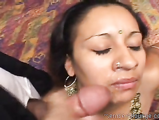 just saw it again love the sound of kisses on that lovely pussy