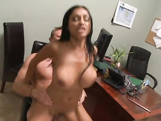 indian loves that big fat white cock up her fat brown indian ass