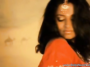 Lovely Lady Exposed the Secret of Bollywood
