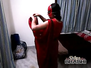 hot beautiful shilpa bhabhi desi gf in red sari stripping