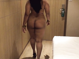 DESI INDIAN MILF AUNTY CUTE SHOW