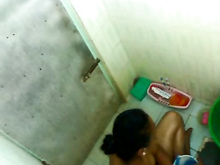 Sexy Tamil Housewife Bathing - Movies.