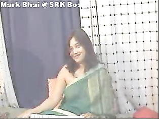 Desi Girl In Green Sari - Movies.