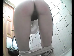 Aunty Caught Peeing In Toilet - Movies.