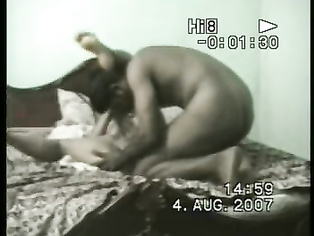 Mature chachi showing her big big boobs to boyfriend and she rubing her hend on her boobs