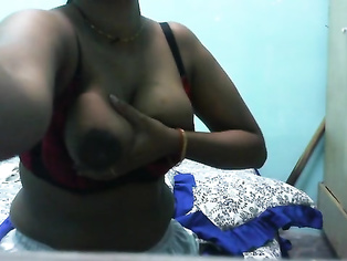 Aunty Showing Milky Boobs - Movies.