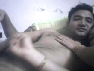 Mature Indian sexy couple having a fun on cam.