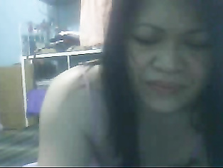 Gena aunty from Manipur, India having fun time on webcam with chatters sitting naked.